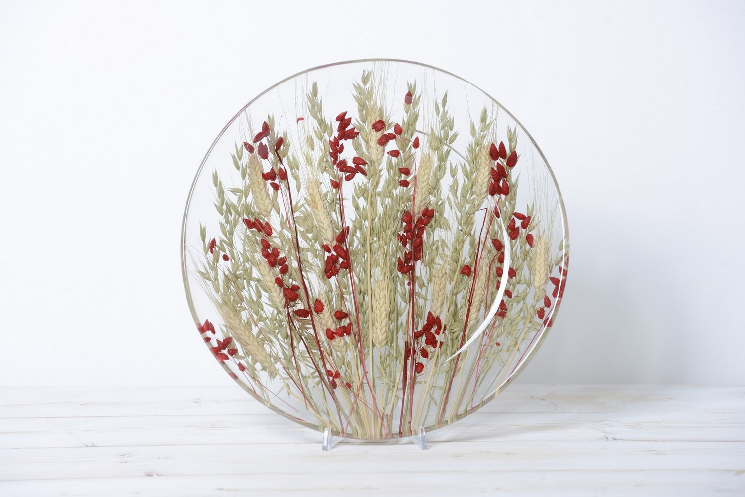 Round Centerpiece Wheat in Red Collection