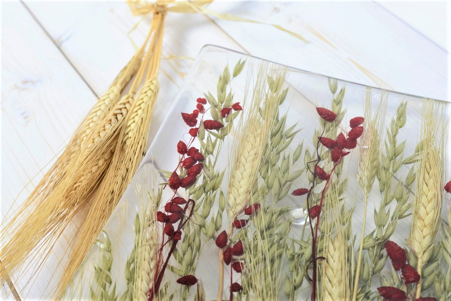 Square Centerpiece Wheat in Red Collection